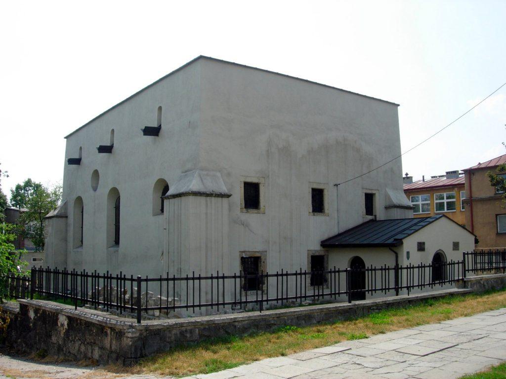 Разрушенная синагога в Пенчуве