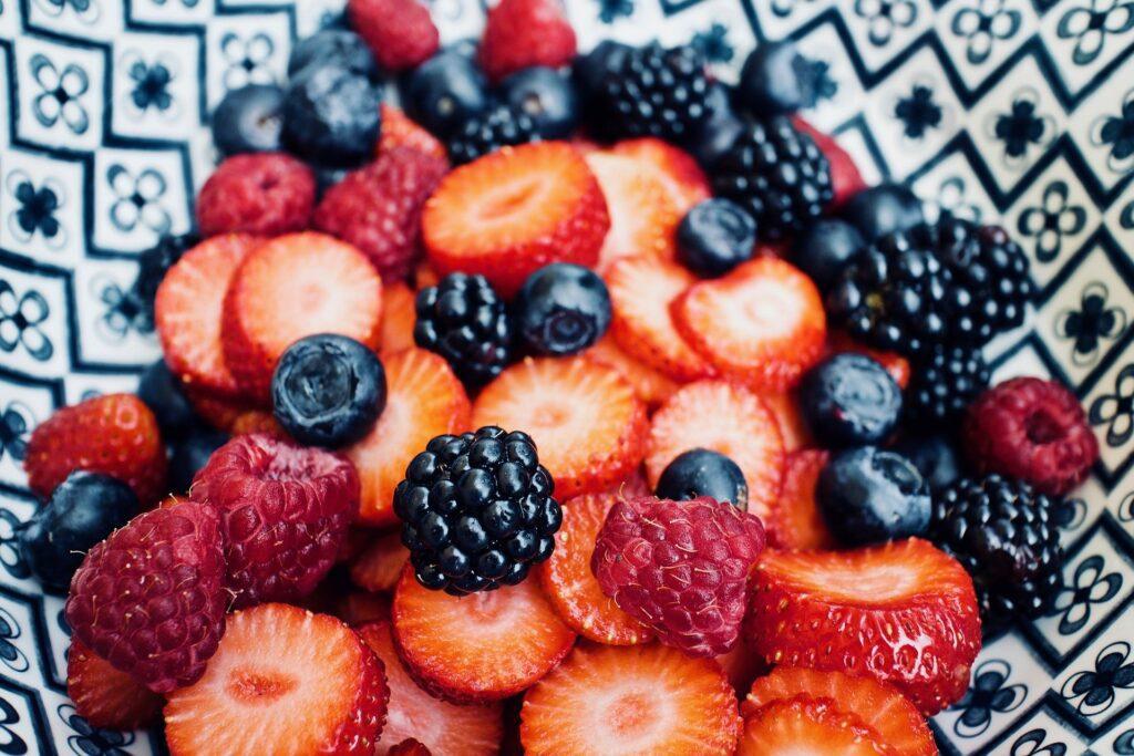 Нужно ли произносить благословение шеехеяну на плоды, которые доступны в течение всего года?